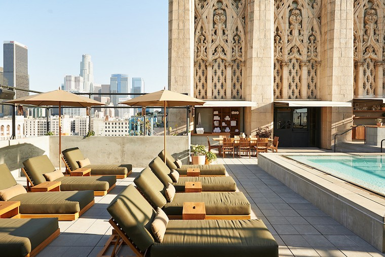 Best Rooftop Bars in Los Angeles - Ace Hotel Rooftop Pool Downtown Los Angeles DTLA - Best rooftop bars in Los Angeles by travel blogger My Beauty Bunny