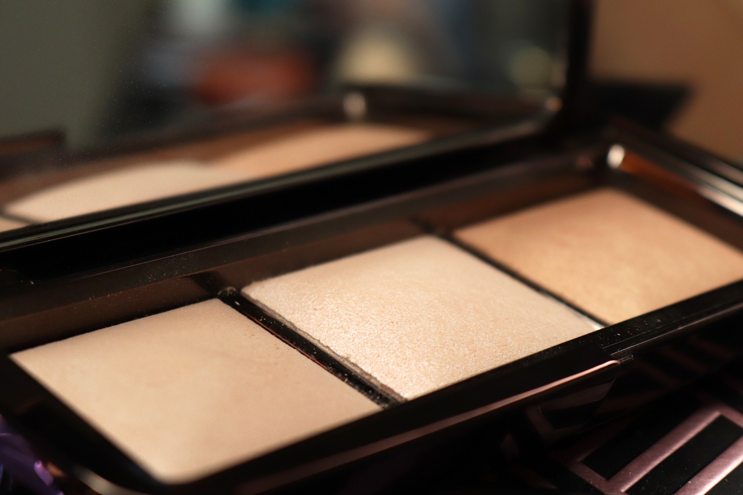 Hourglass Ambient Light Palette Review - Hourglass cosmetics going vegan by popular Las Vegas beauty blogger My Beauty Bunny