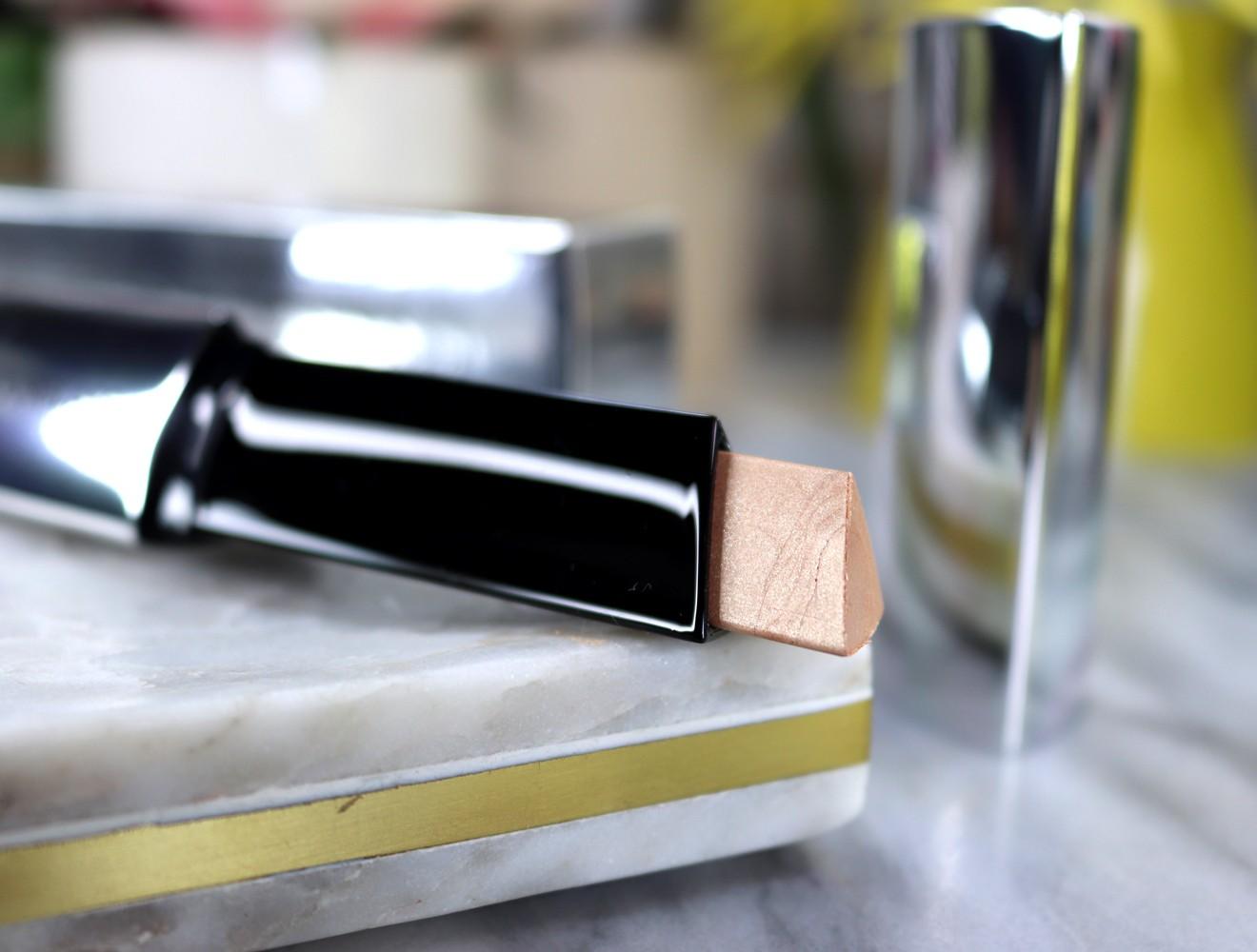 Hourglass Vanish Highlighter - Hourglass cosmetics going vegan by popular Las Vegas beauty blogger My Beauty Bunny
