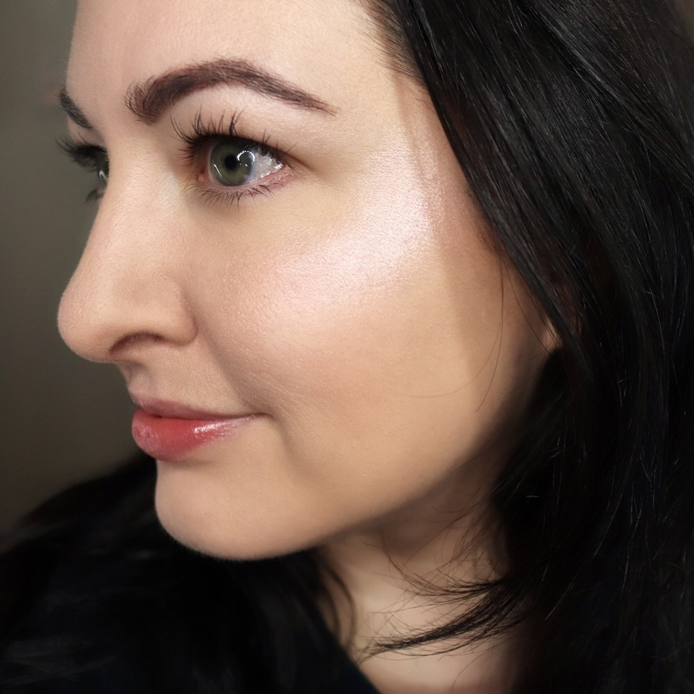 Wet N Wild MegaGlo Highlighter in Halo Goodbye - Wet N Wild MegaGlo Highlighter Review by popular Los Angeles cruelty free beauty blogger My Beauty Bunny