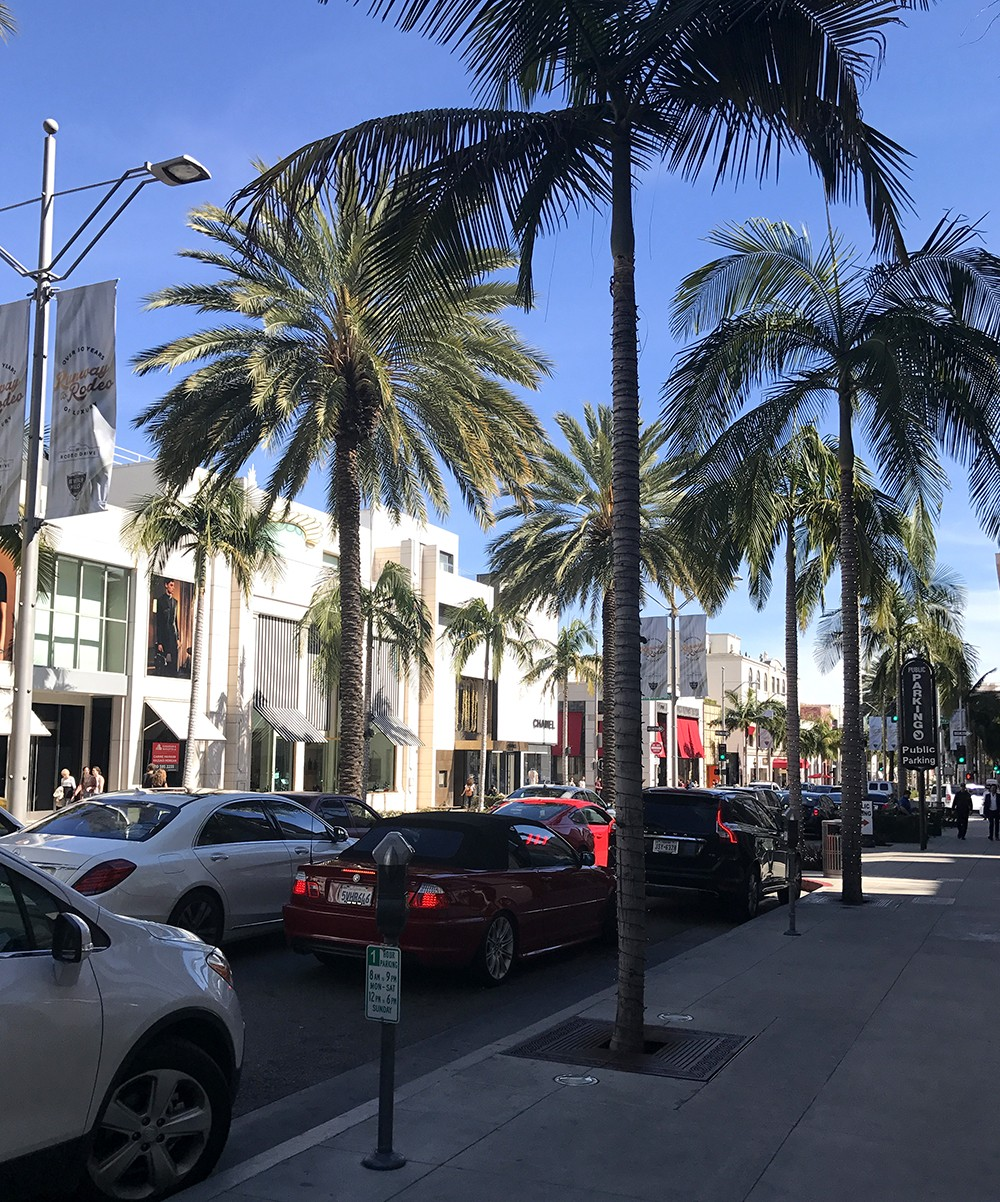Free Things to do in Los Angeles - Visit Rodeo Drive in Beverly Hills featured by popular Los Angeles Blogger, My Beauty Bunny
