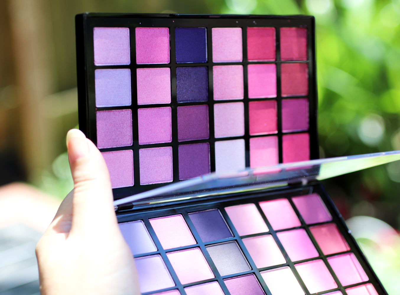 Makeup Revolution Colour Book Eyeshadow Palette CB04 - matte and shimmer