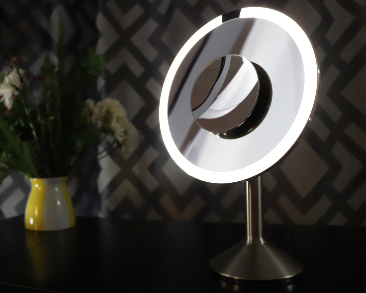 SimpleHuman Sensor Mirror 8 Inch Pro Review - SimpleHuman Mirrors Changed My Makeup Game by LA cruelty free beauty blogger My Beauty Bunny