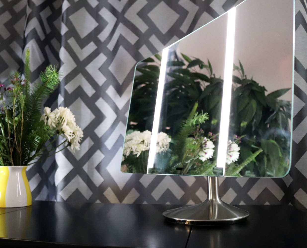 SimpleHuman Sensor Mirror Wide View Pro Review - SimpleHuman Mirrors Changed My Makeup Game by LA cruelty free beauty blogger My Beauty Bunny