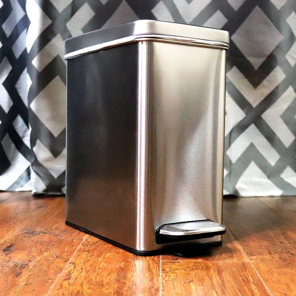 SimpleHuman Trash Can Review - SimpleHuman Mirrors Changed My Makeup Game by LA cruelty free beauty blogger My Beauty Bunny