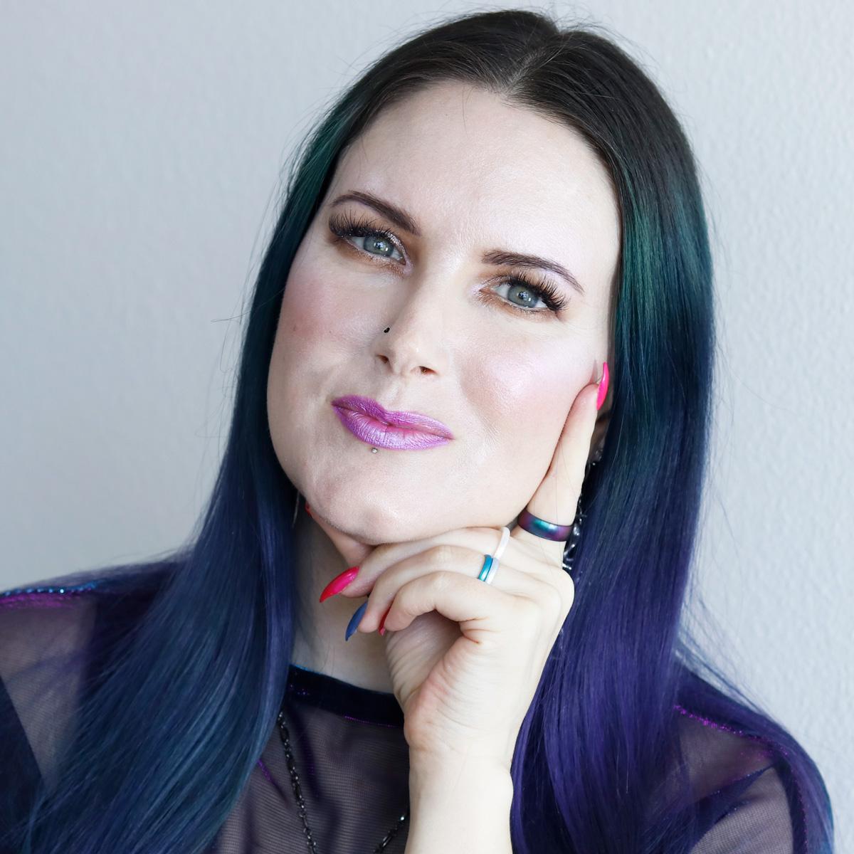 Subtle Purple Makeup Look on Hooded Eyes