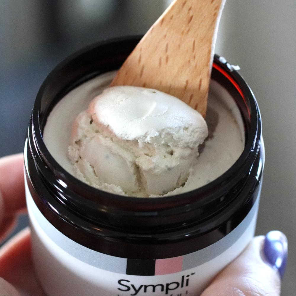 Sympli Beautiful Coconut Smoothing Micro Polish review