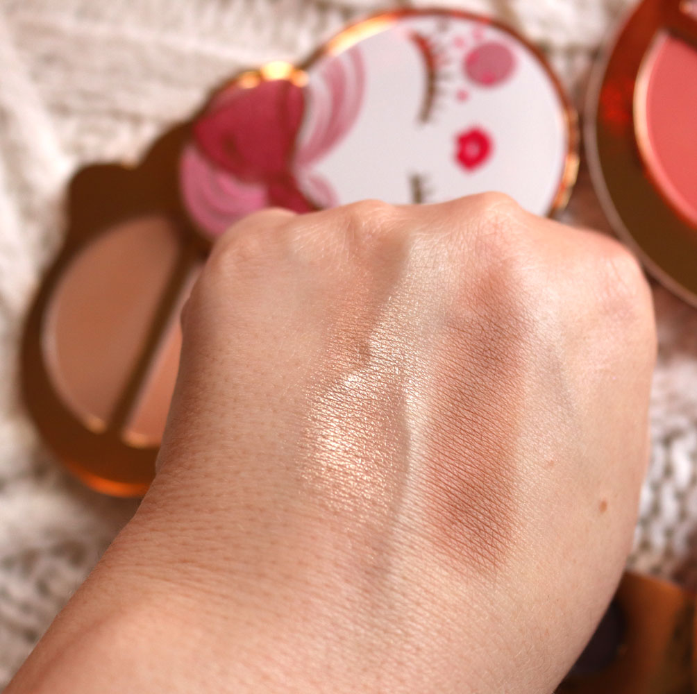 Too Faced Let It Snow, Girl! holiday 2019 bronzer highlighter palette swatches