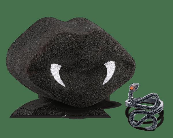 Dark Kiss Bath Bomb Giveaway