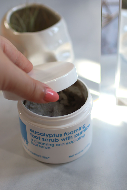 LATHER cruelty free eucalyptus foaming foot scrub with pumice