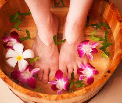 Kiss My Face Peppermint Foot Scrub–Organic, Vegan & Cruelty-Free!