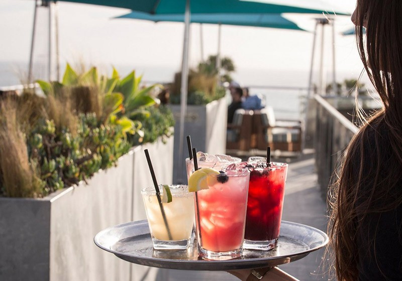 Best Rooftop Bars in Los Angeles - Hotel Erwin - Best rooftop bars in Los Angeles by travel blogger My Beauty Bunny