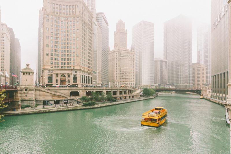 Top 4 Fun Things to do in Chicago - river tour