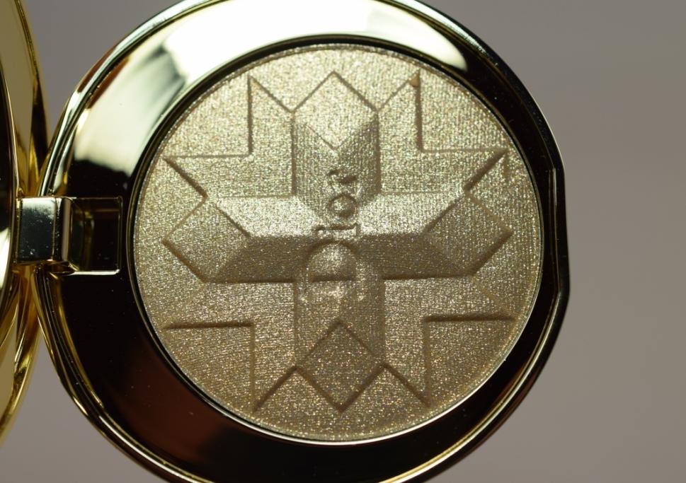 Dior Gold Shock Highlighter 4