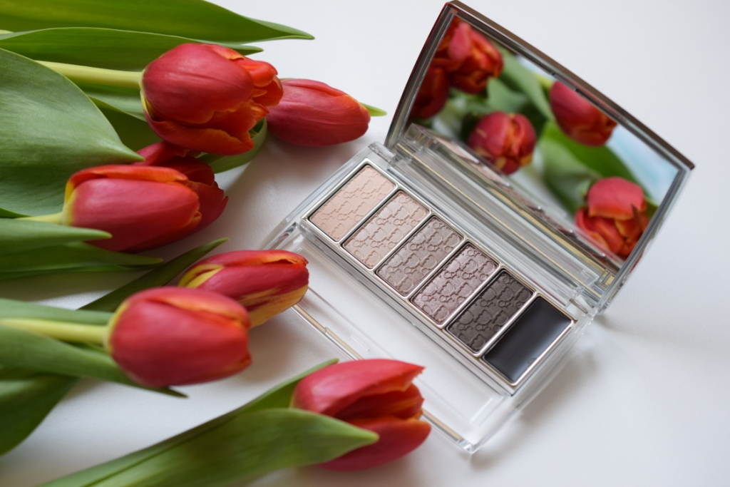 Dior palette Eye Reviver
