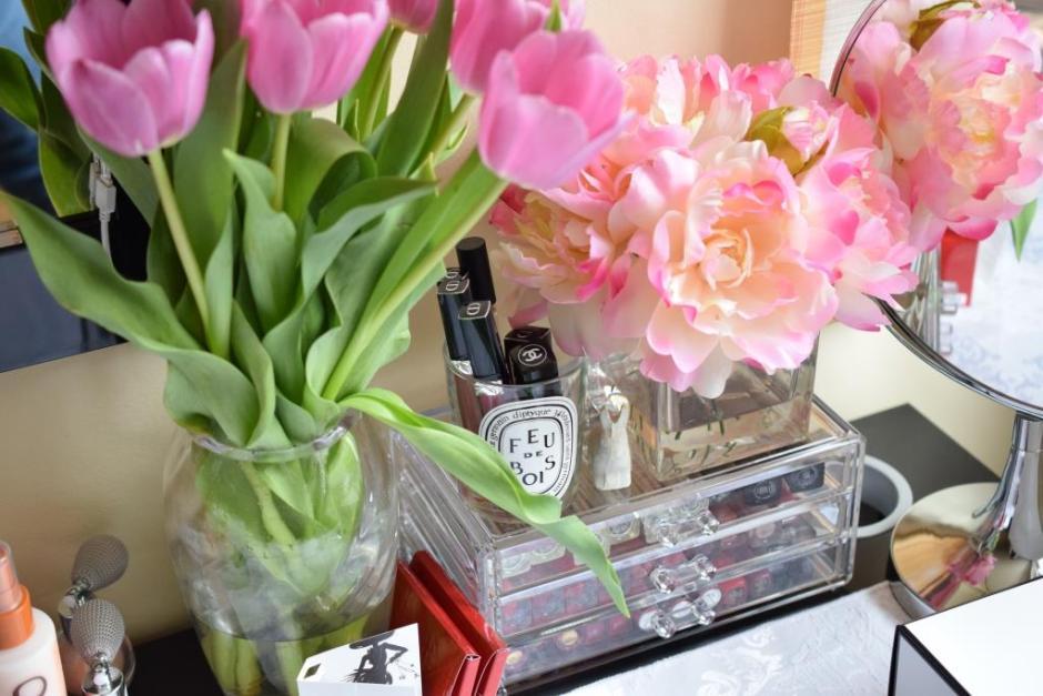 Vanity and flowers