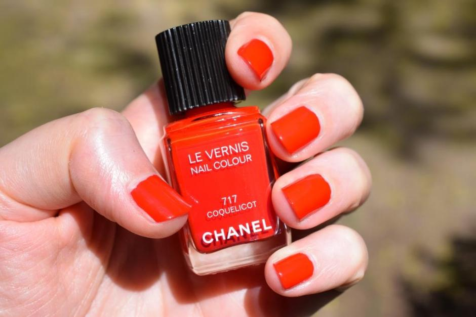 Chanel vernis Coquelicot 7 swatch