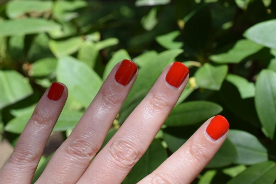 Chanel vernis Coquelicot 8 swatch