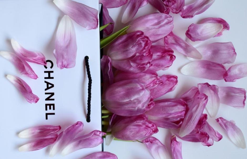 Chanel petals