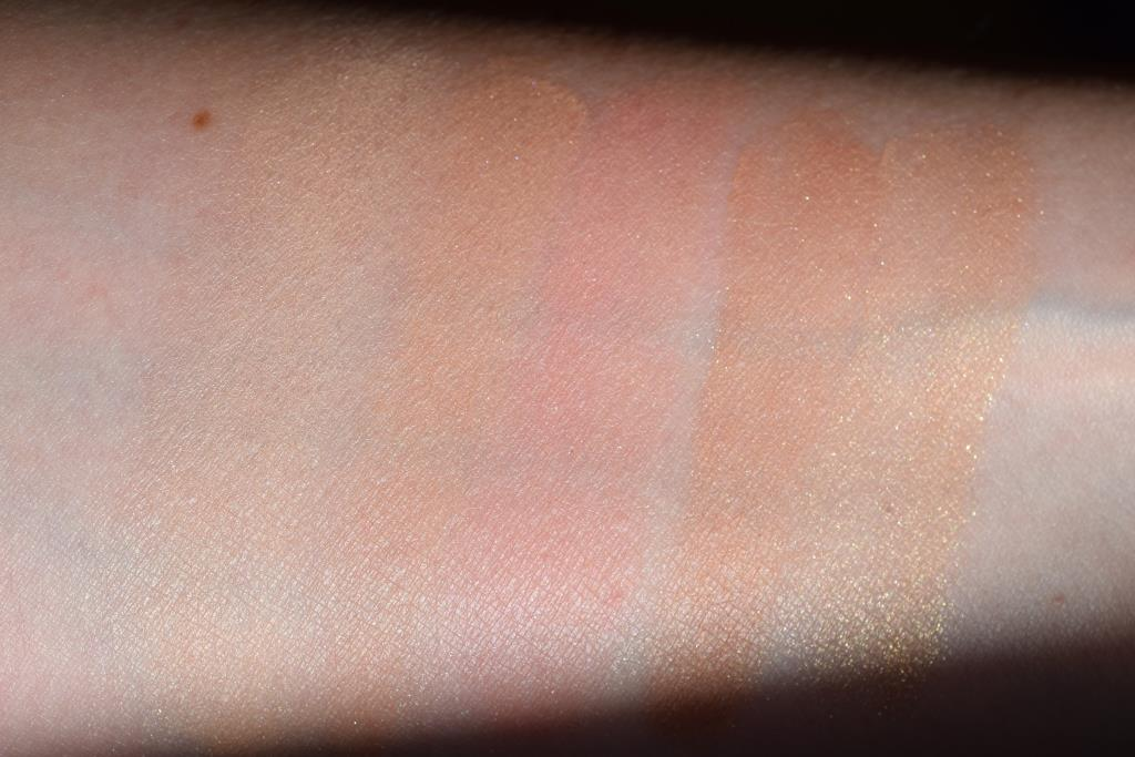 Hourglass Surreal Light swatch