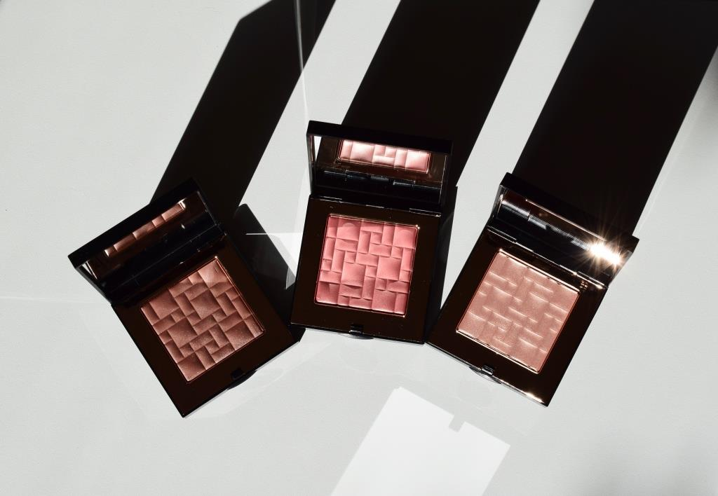 bobbi-brown-highlighting-powders