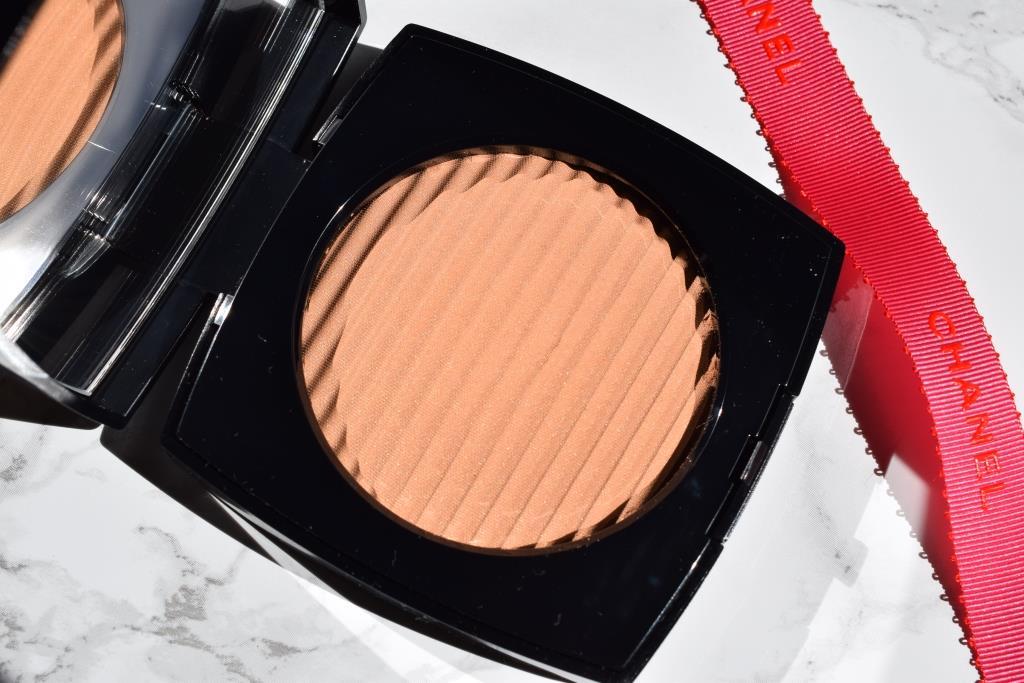 CHANEL Les Beiges - Healthy Glow Luminous Colour