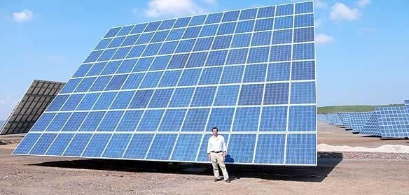 Um dos Painéis Fotovoltaicos da Central de Ameraleja na Cidade de Moura na região do sul de Portugal