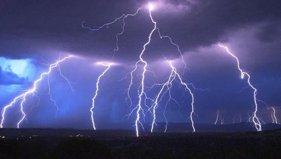Raios em uma Tempestade no Arizona-USA