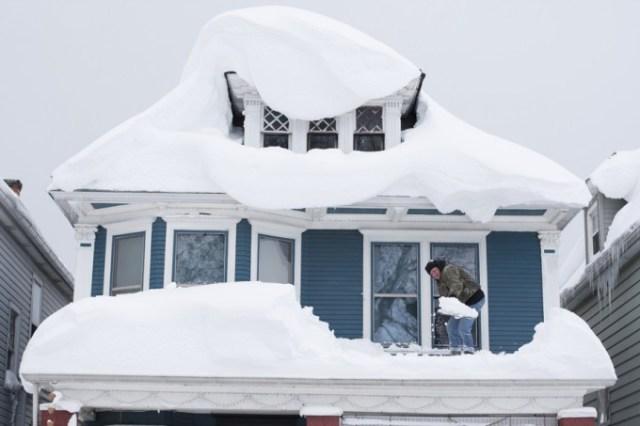 Antropogênico Aquecimento Global Manipulado - Super Tempestade de Neve em NY (Fonte: BloombergNews)