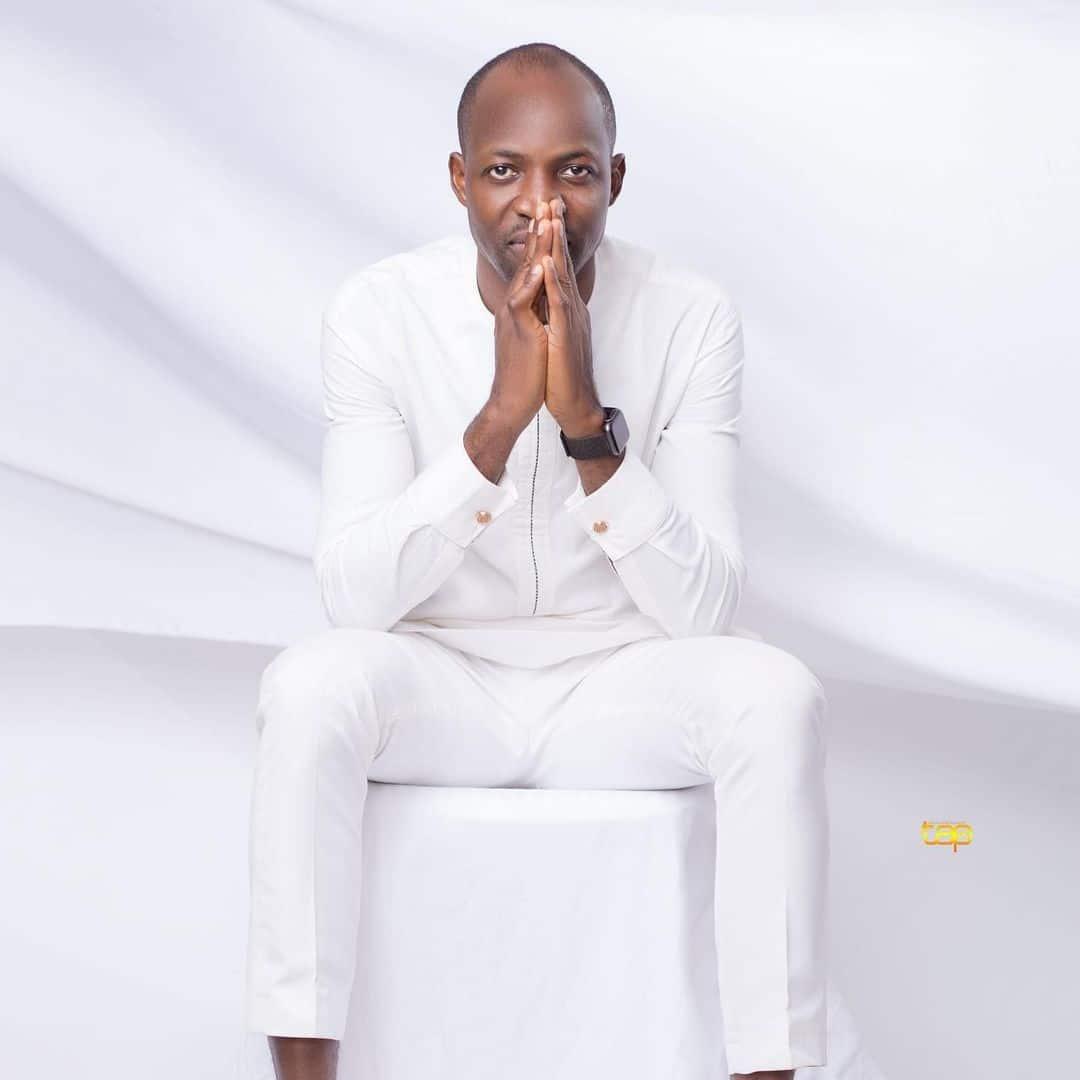 Download Dunsin Oyekan The Anthem mp3, lyrics Video