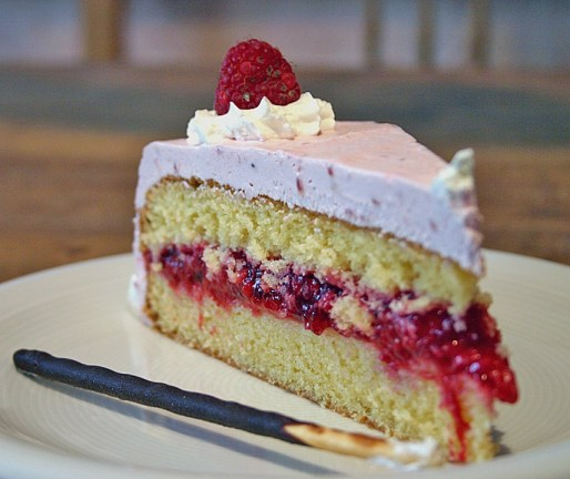 mothers day raspberry cake