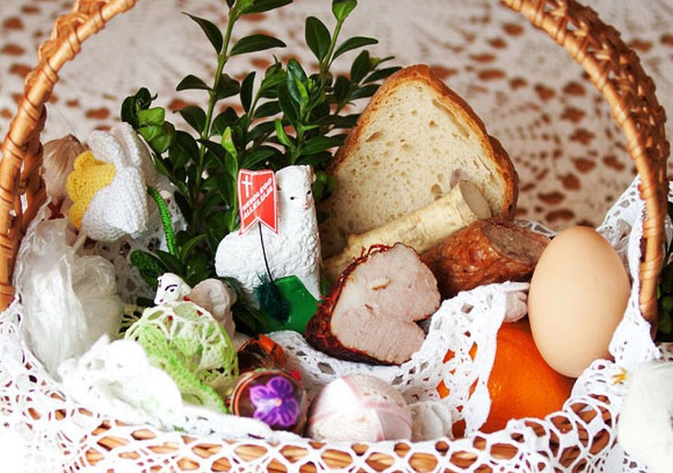 Sharing Easter Traditions with House Guests