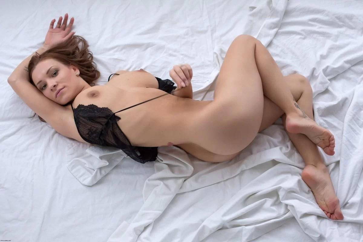 Curvy Wife Nude Boudoir