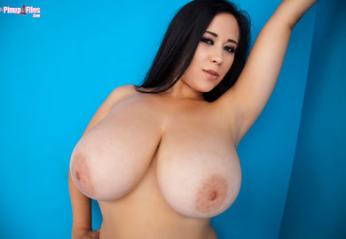 Chloe Big Tits Blues