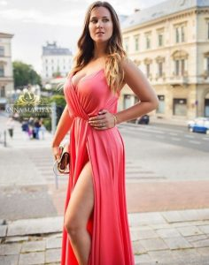 Anna Marisax is beautiful in her lovely gown
