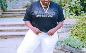 Teniola Apata poses for a pic