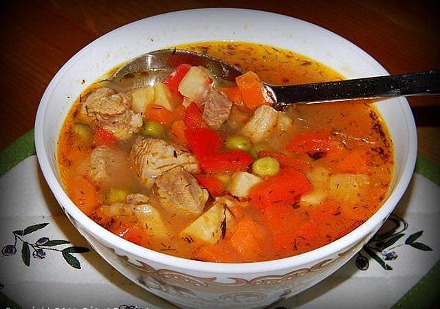 Supa de mazare cu carne de curcan