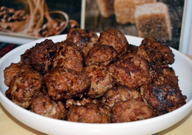 Chiftelute din carne de porc cu mix tandoori