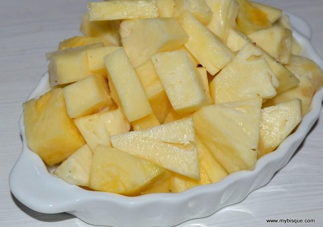 Cum sa…cureti ananasul proaspat