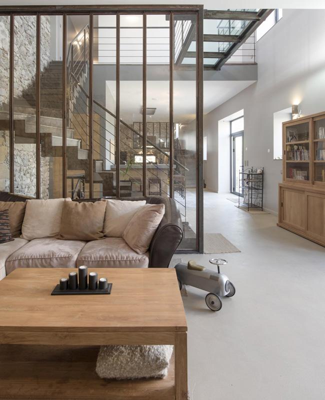 gris et le bois dans la deco du salon