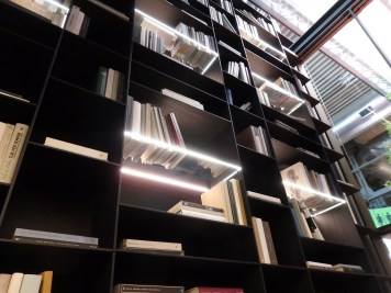 Lighting shelves at Poliform