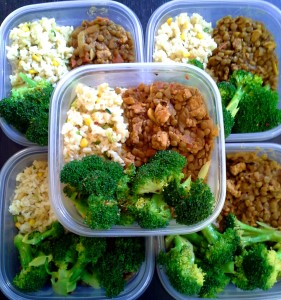 meal prep - brown rice with corn, lentil turkey chilli and steamed broccoli
