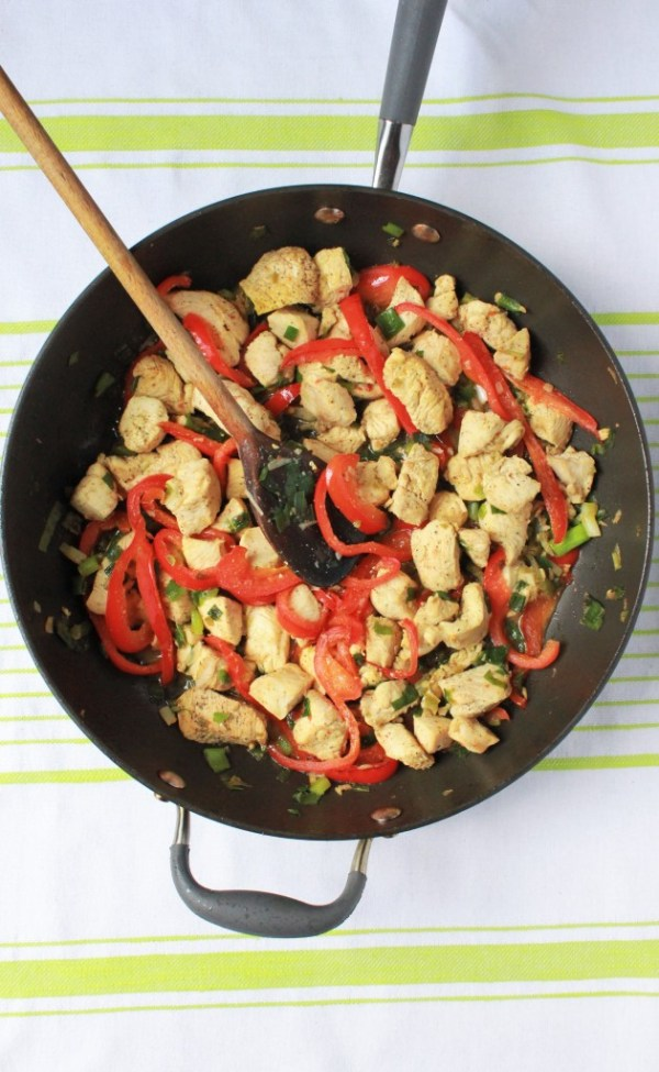 chicken-breast-skillet-nonstick-peppers