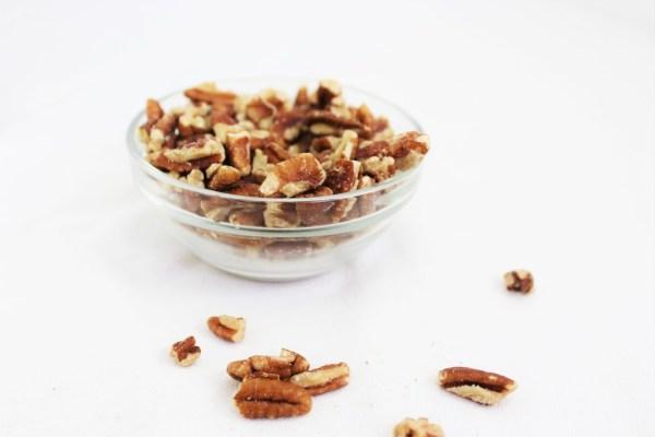 chopped-pecans-my-body-my-kitchen-salad-nuts-salad