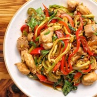 Spicy Thai Drunk Zucchini Noodles (zoodles) with Chicken
