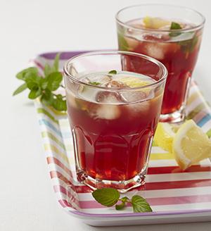 Rooibos, lemon and mint iced tea: