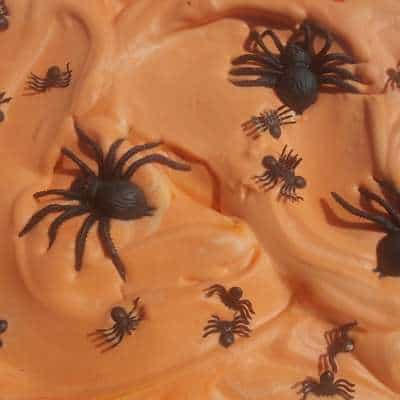 Halloween shaving cream and spiders sensory bin for toddlers feature