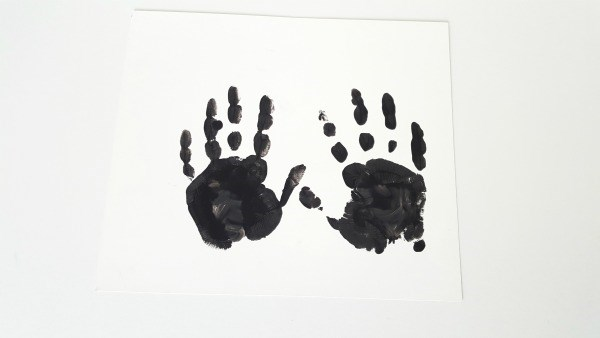 Halloween handprint panting step 1