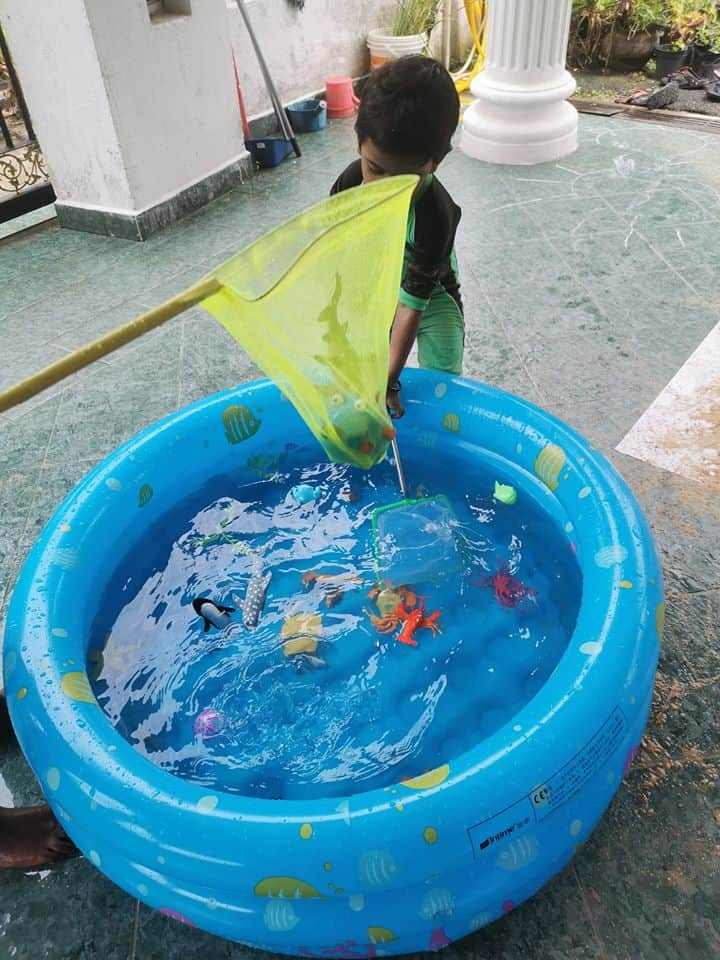 fishing water play idea for toddlers