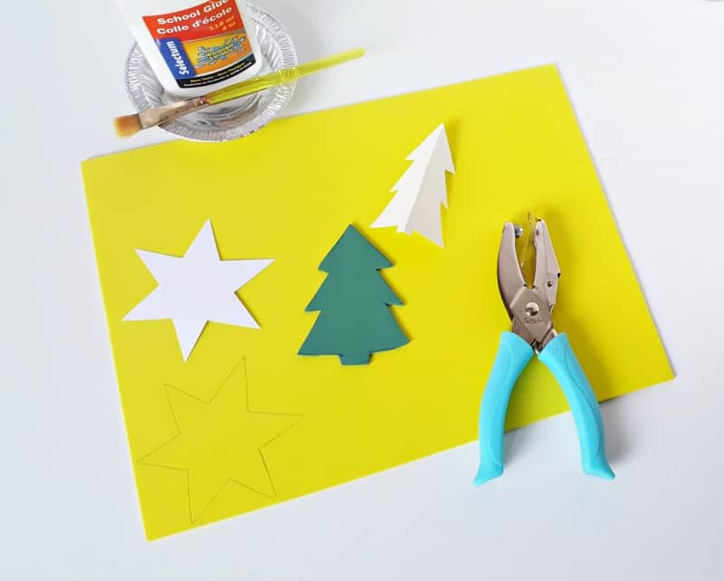 easy christmas tree ornament craft for toddlers to make